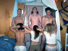 Drunk girlfriends sucking cock on pictures
