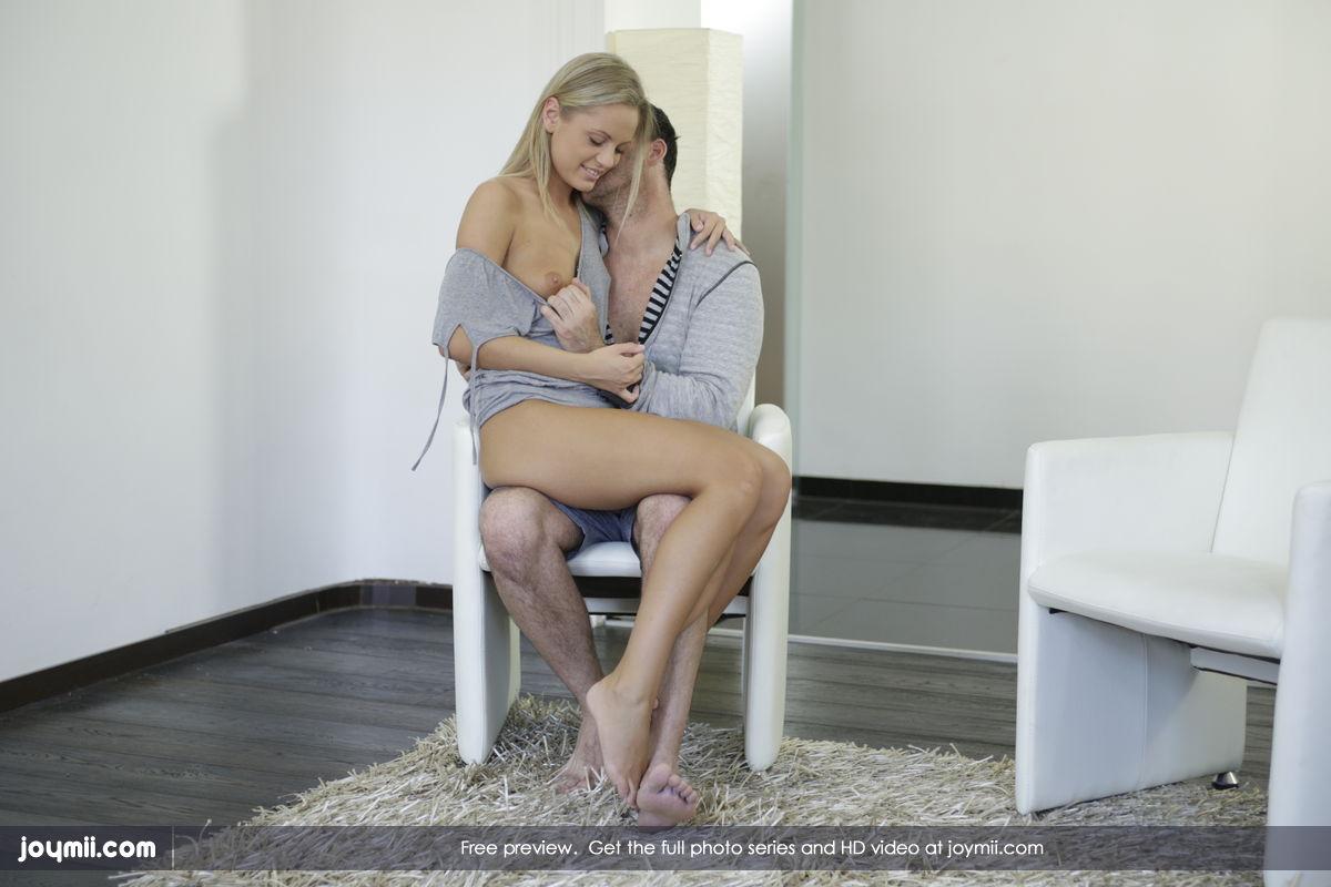 naked big butt ebony women shaking gifs